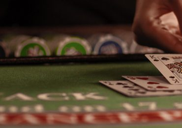 Трехкарточный покер: правила игры, комбинации