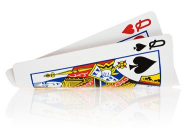 Умеете ли вы разыгрывать карманную пару дам при игре в покер?
