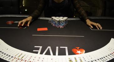 Выбор рума, где можно играть в покер на реальные деньги онлайн