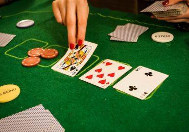 Как и по сколько карт следует раздавать в покере?