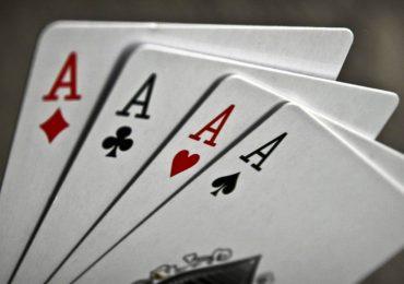 Как называются 4 туза в покере?