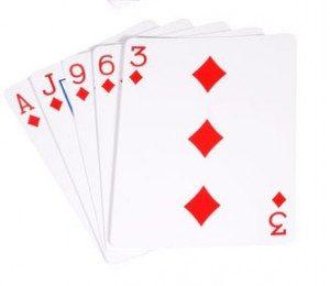 Как называются 5 карт одной масти в покере?