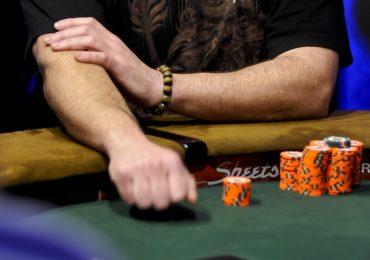 Чек в покере – что это такое и как его использовать?