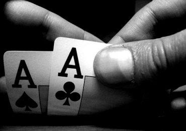 Два туза в покере – комбинация, её сила, как часто выпадает