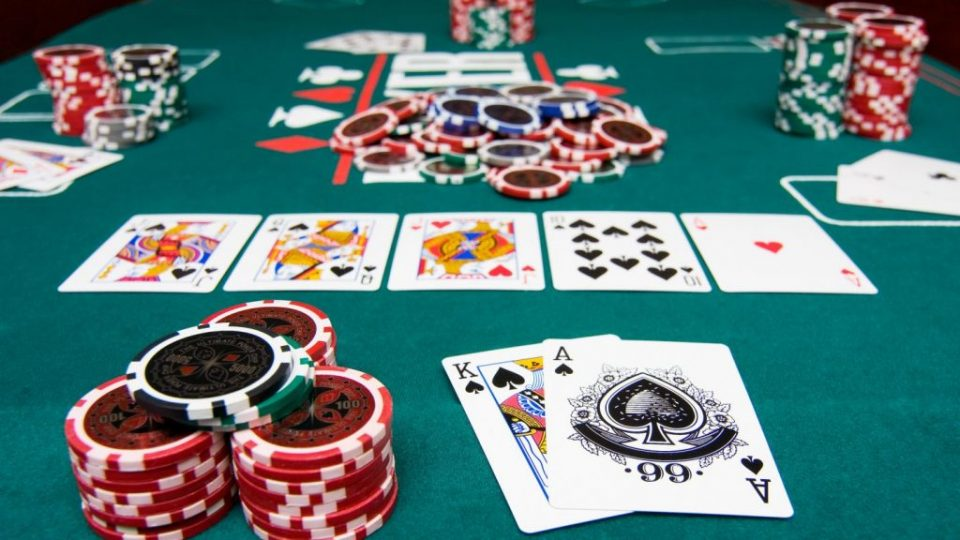игра в покер за деньги