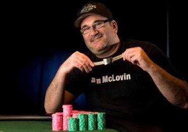 Майк Матюсов пообещал прогуляться по Las Vegas Strip нагишом