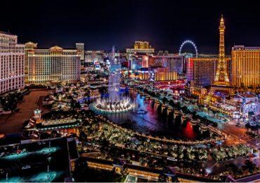 В одном из крупнейших казино Лас-Вегаса, произошла драка между игроком и покерным дилером